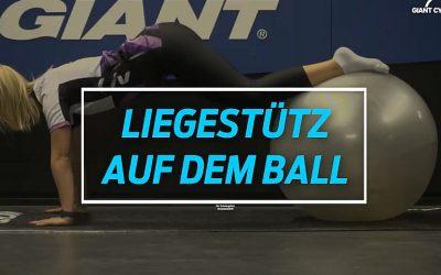 Liegestütz auf Ball
